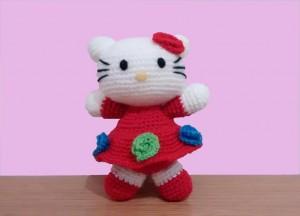 AMIGURUMI_Kitty-vestido-rojo